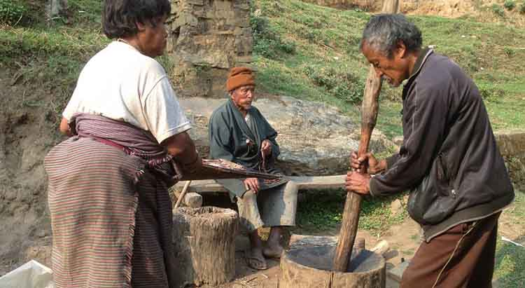 Bhutanese-Villagers-Working-Bhutan