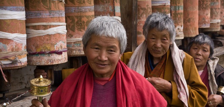 Nuns-People-Bhutan