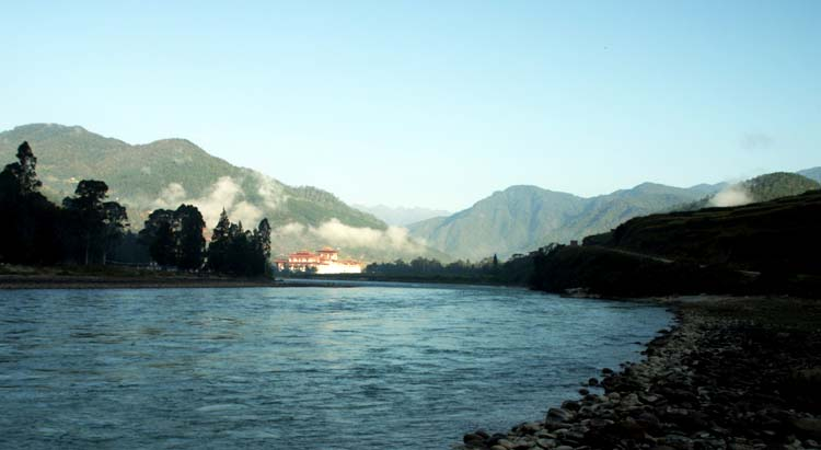 Punakha Dzong from distance