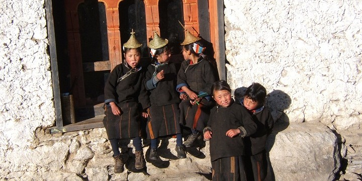 Laya school children